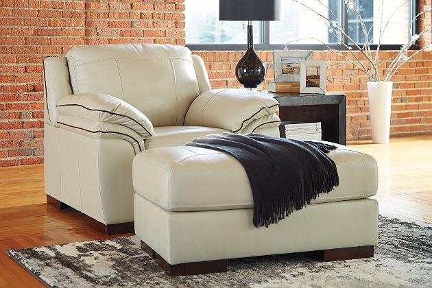Islebrook Chair, Vanilla, large