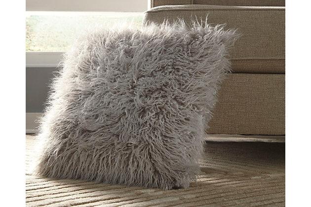 Giancario Pillow, , large