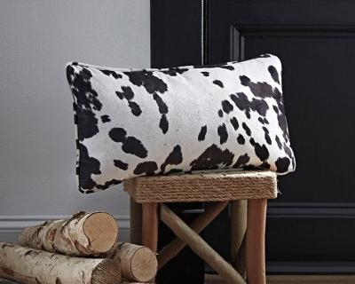 Ashley Dagan Pillow, Black/White
