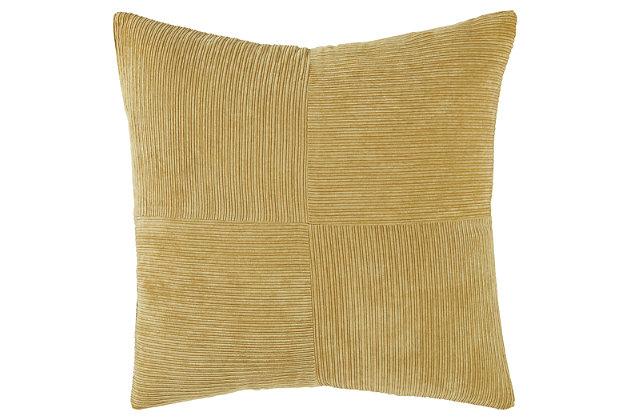 Jinelle Pillow, , large