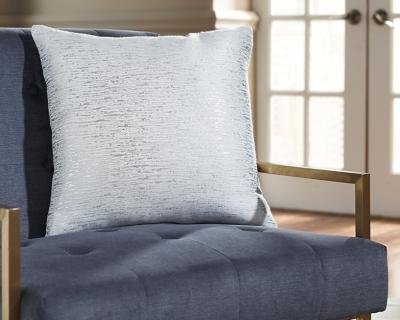 Tacey Pillow, , large