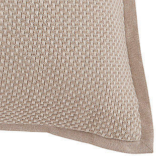 Leonie Pillow, , large
