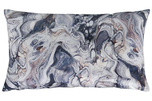 Carissa Pillow, , large