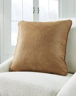 Cortnie Pillow, , large