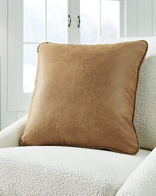 Cortnie Pillow, , rollover
