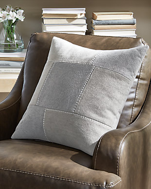 Lareina Pillow, , rollover