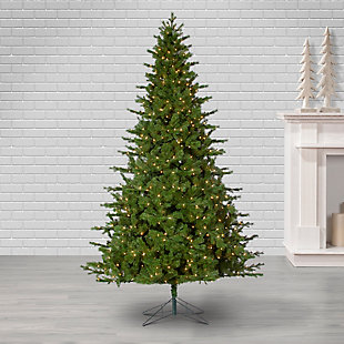 Sterling 9Ft. Natural Cut Plaza Pine with 950 Warm White Incandescent Lights with Décor