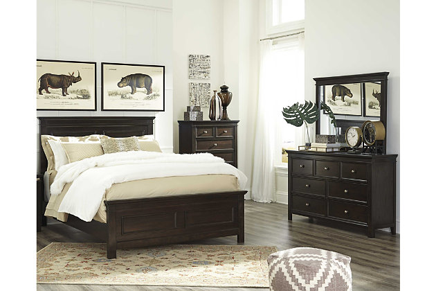 Alexee 5 Piece Queen Bedroom