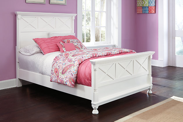 Kaslyn Full Panel Bed by Ashley HomeStore, White