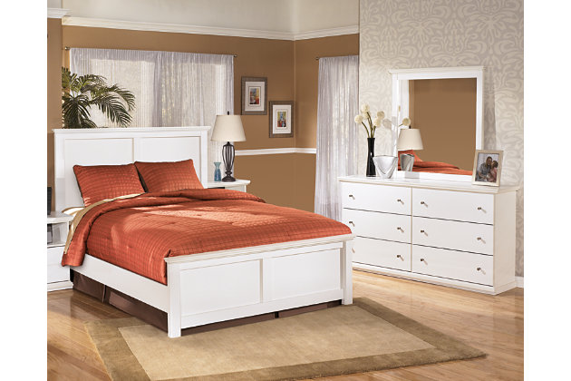 Bostwick shoals 5 piece queen master bedroom ashley for Master bedroom sets queen