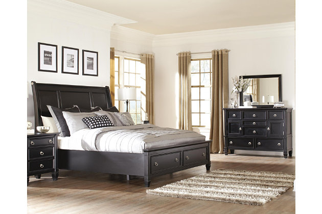Greensburg 5 piece queen master bedroom with storage for Master bedroom sets queen