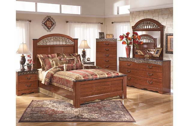 Fairbrooks Estate Queen Poster Bed, Reddish Brown, large