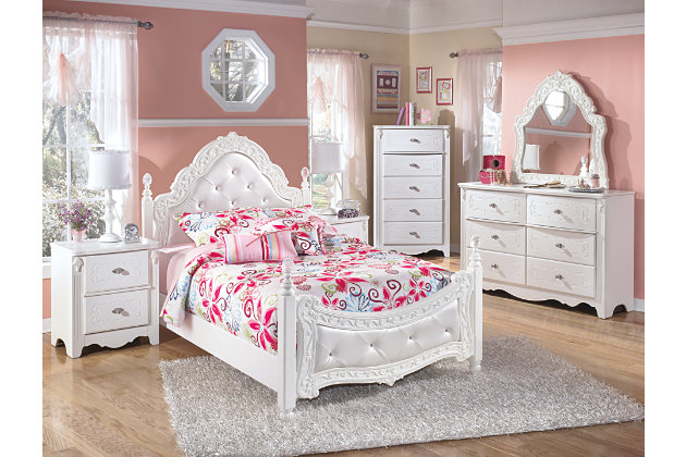 bedroom furniture sets with exquisite details and tufted upholstery