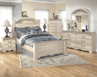 Picture of: Catalina Queen Poster Bed Ashley Furniture Homestore