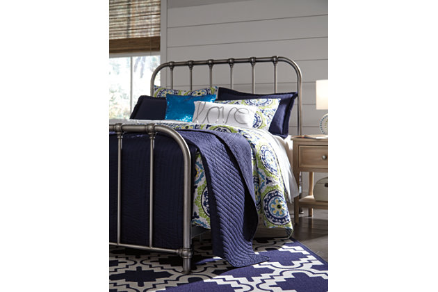 Nashburg Queen Metal Bed, Silver, large