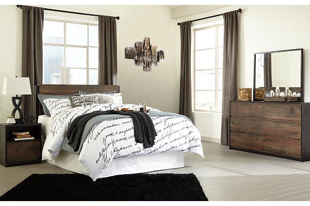 Windlore Queen Panel Bed with 2 Nightstands, Dark Brown, large