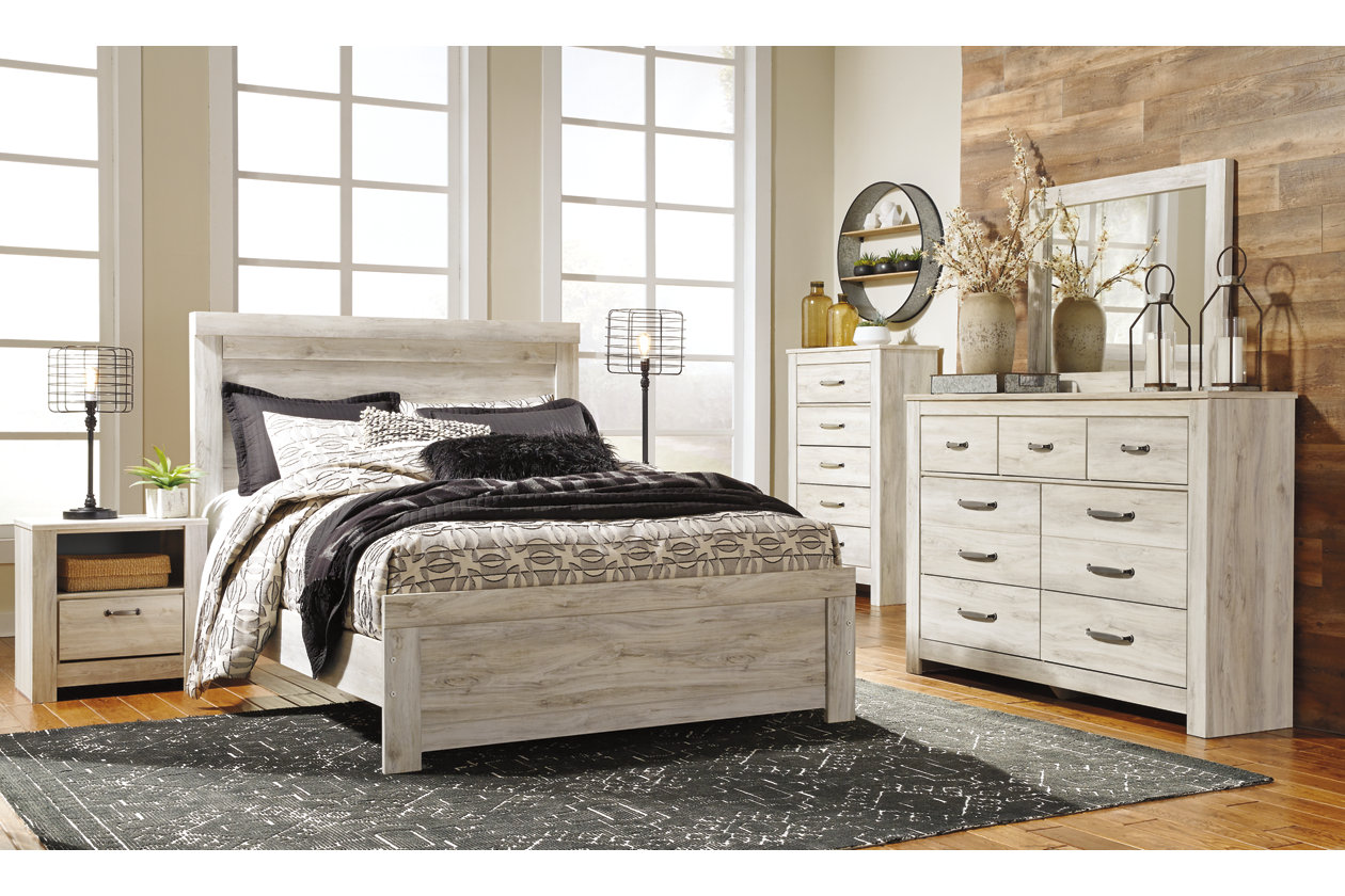 Bellaby Queen Panel Bed | Ashley Furniture HomeStore