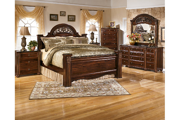 Old World Style Deep Brown King Poster Bed Coupled With Dressers And  Nightstands