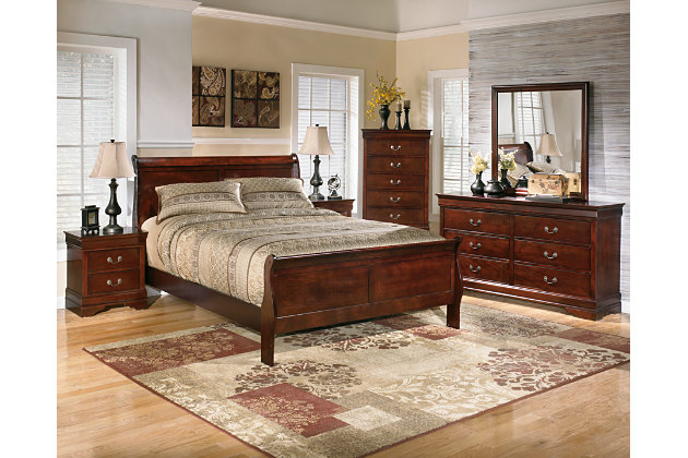deep brown queen sleigh beds and matching dressers