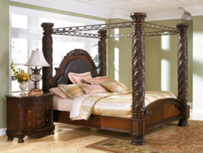 North Shore King Canopy Bed In Dark Wood