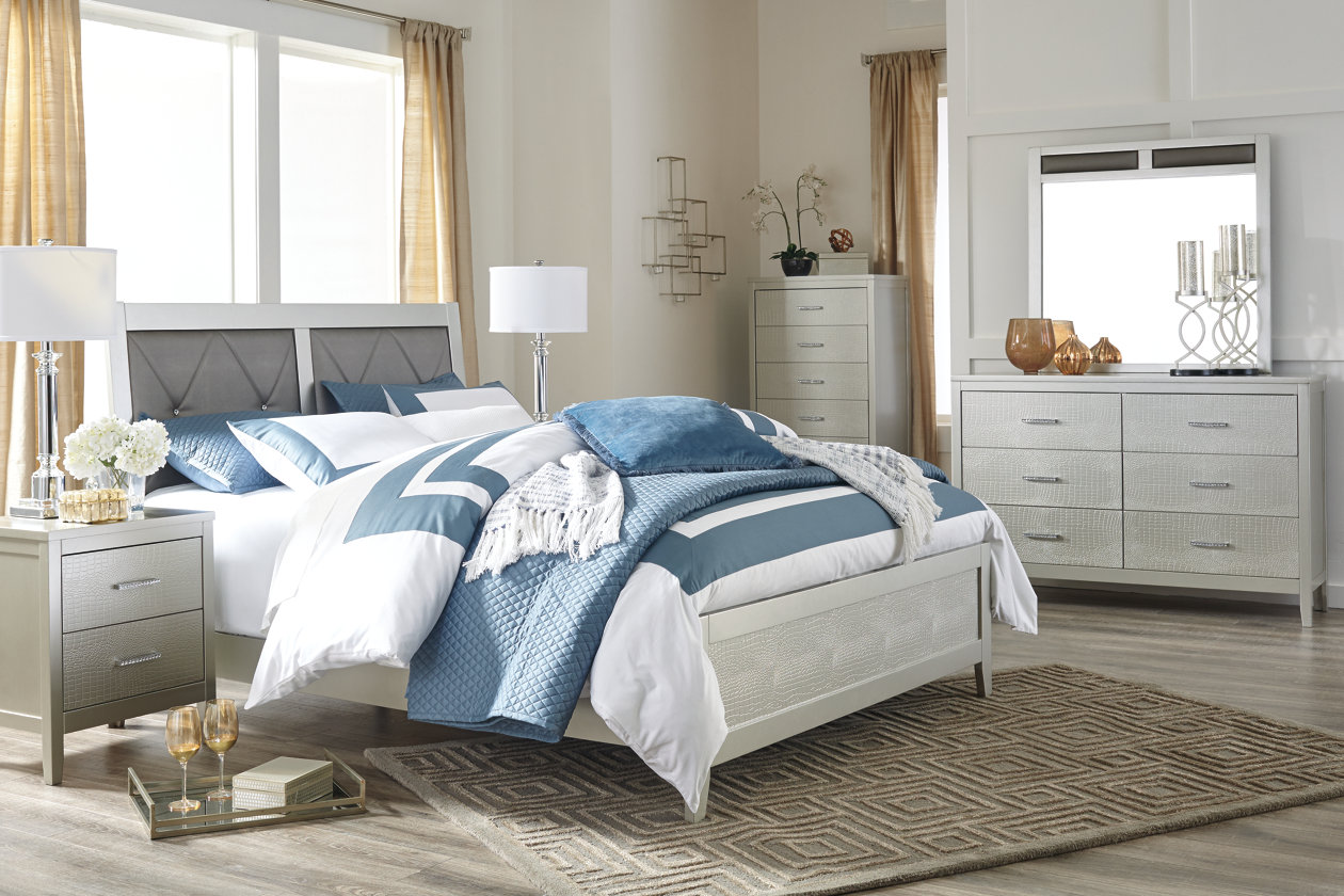 Olivet Queen Panel Bed | Ashley Furniture HomeStore