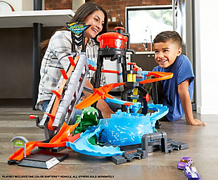 Mattel Hot Wheels Ultimate Gator Car Wash Playset, , rollover