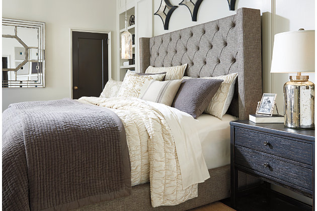 Grey Mansion Wing Bed With Luxurious Tufting