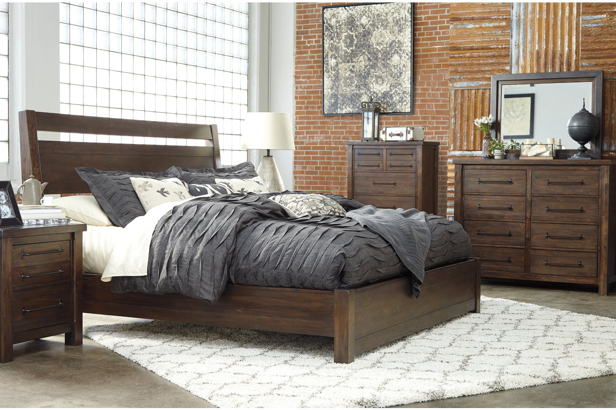 Master Bedroom Furniture >> Starmore 5 Piece King Master Bedroom Ashley Furniture