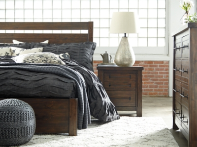 Starmore Queen Panel BedAshley Furniture HomeStore