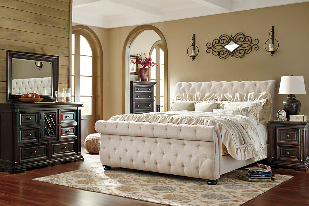 Willenburg Queen Upholstered Sleigh Bed, Linen, large