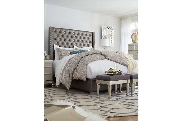Coralayne Queen Upholstered Bed, Gray, large