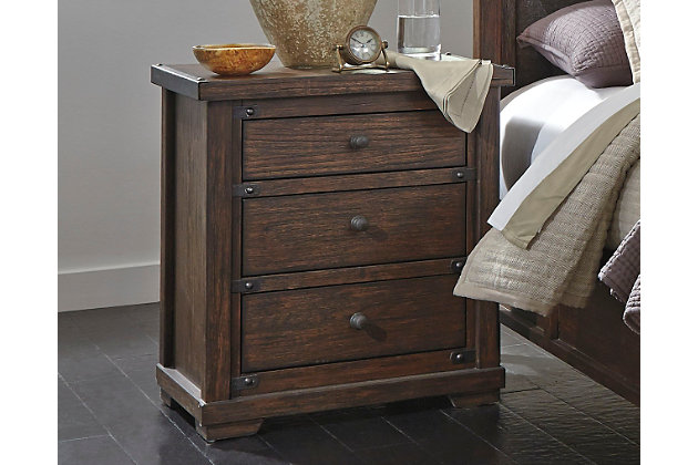 High Quality Bedroom Decorating Idea With This Furniture
