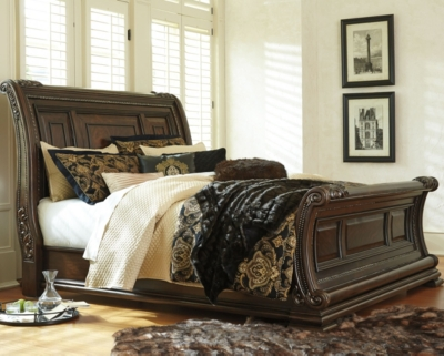High-class King Sleigh Bed Brown California Product Photo