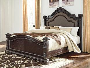 Wellsbrook Queen Poster Bed, Dark Brown, rollover