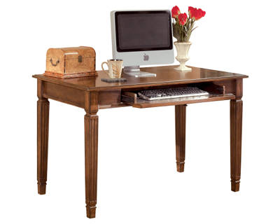 Home Office Small Leg Desk Product Shot