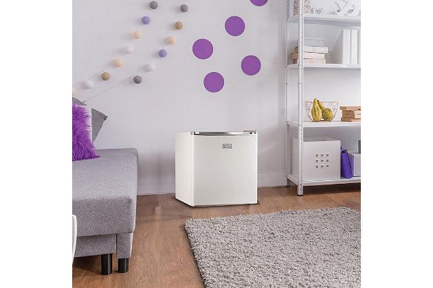 BLACK+DECKER 1.7 Cubic-ft Refrigerator/Freezer (White), , large