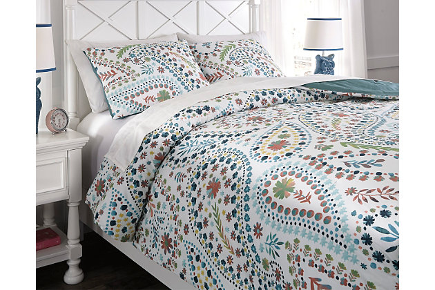 Danniell 3-Piece Full Comforter Set by Ashley HomeStore