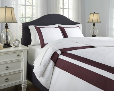 Ashley Daruka 3-Piece Queen Duvet Cover Set, Plum