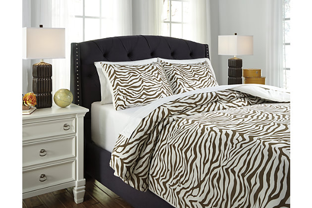 Tan Hyun 3-Piece King Duvet Cover Set by Ashley HomeStore