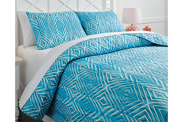 Jolana 3-Piece Full Quilt Set by Ashley HomeStore, Turquoise, Polyester (100 %)