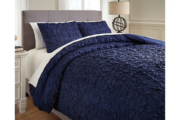 Marksville 3-Piece Queen Duvet Cover Set by Ashley HomeSt...