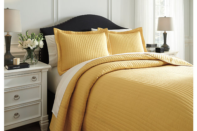 Raleda 3-Piece Queen Coverlet Set, Yellow, large