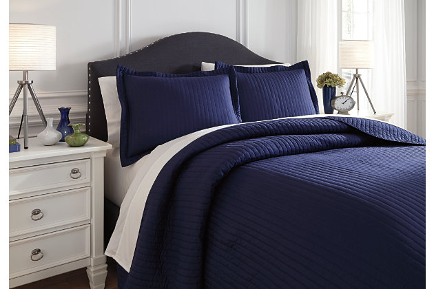 Raleda 3-Piece King Coverlet Set by Ashley HomeStore, Navy, Polyester (100 %)