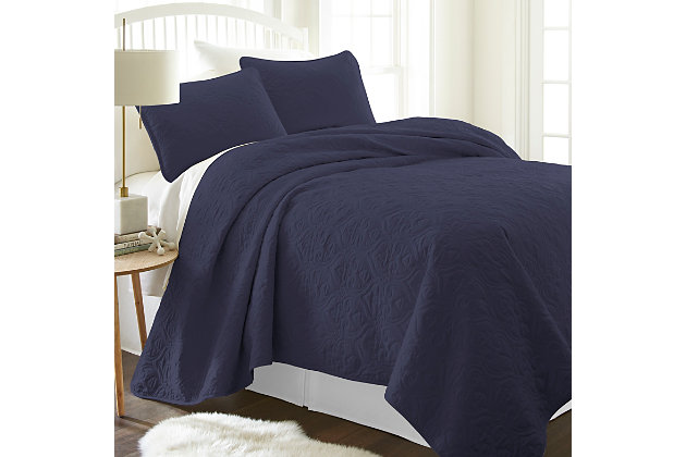 Damask Patterned 3-Piece King/California King Quilted Coverlet Set, Navy, large