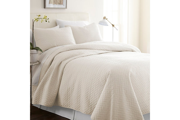 Herring Patterned 3-Piece Full/Queen Quilted Coverlet Set, Ivory, large