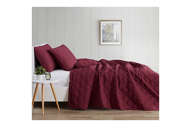 Truly Soft Everyday 3D Puff 3 Piece King Quilt Set, Burgundy, large