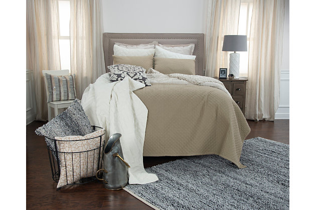 Cotton Breeze on By King Quilt, Taupe, large