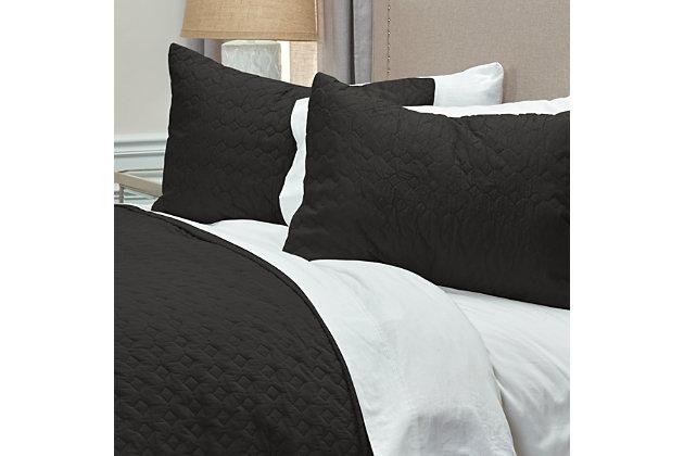 Cotton Urban Mesh Queen Quilt, Black, large