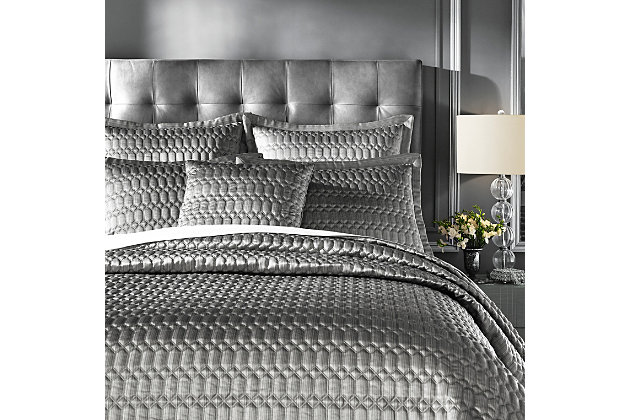 J. Queen New York Luxembourg Silver Quilt Full/Queen Quilt, Silver, large