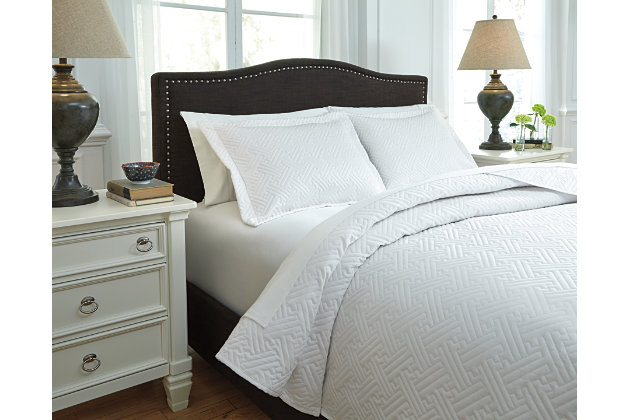 Aldis 3-Piece Queen Coverlet Set